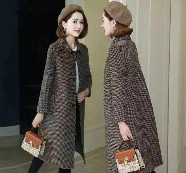女人再穷,穿大衣不要配高跟鞋,太土!看聪明人怎么穿,早穿早美 穿衣推荐 第2张