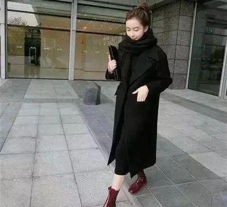 女人再穷,穿大衣不要配高跟鞋,太土!看聪明人怎么穿,早穿早美